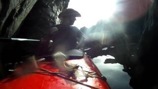 Cap de Creus 2012 - de Colliure a Cadaqués. Cueva en Portbou, saliendo.