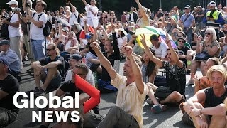 Coronavirus: Thousands rally in Berlin to protest COVID-19 measures