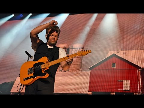 John Mellencamp Pink Houses (Live at Farm Aid 2016)