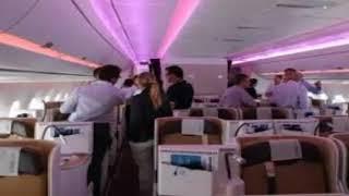 Mâu thuẩn đánh nhau quyết liệt trên máy bay