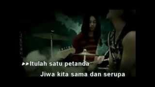 Download lagu Kristal - Seragam Hitam