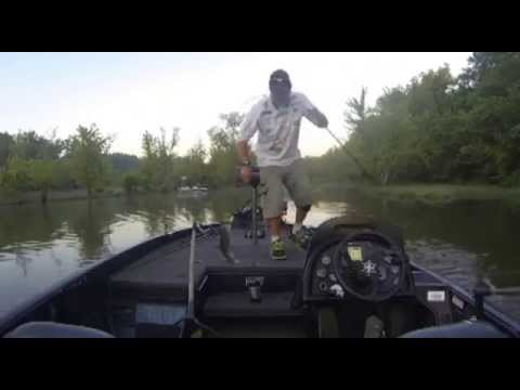 On the water at LOZ on the river at Warsaw June 2015 MP4