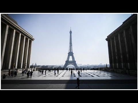 Météo : la tour Eiffel fermée dimanche matin en raison de la neige et du froid