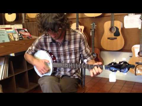 Clawhammer banjo at Folk Mote Music