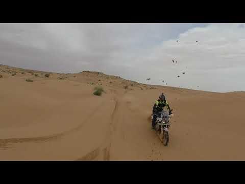 Africa Twin Tunisia Adventure v dunách