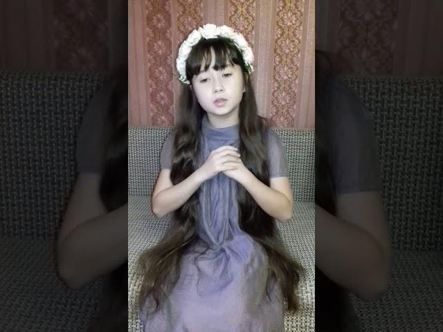 Изображение предпросмотра прочтения – АкулинаПавлова читает произведение «Я просто девочка» М.И.Цветаевой