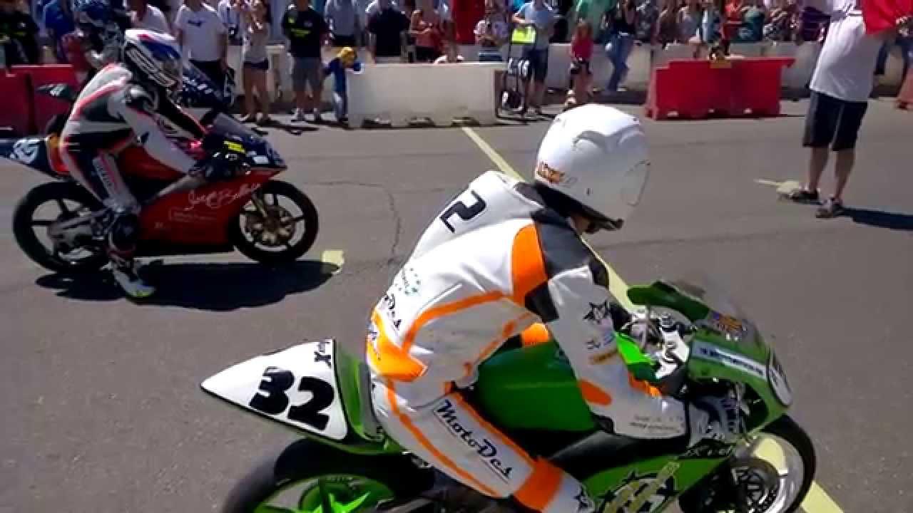 Circuito La Bañeza : Salida moto la bañeza circuito urbano youtube