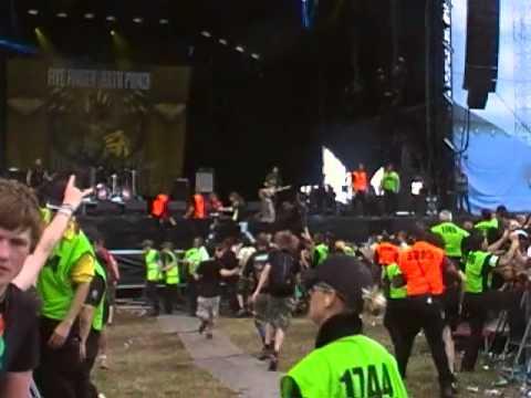 Five finger death punch - riot - download festival 2010