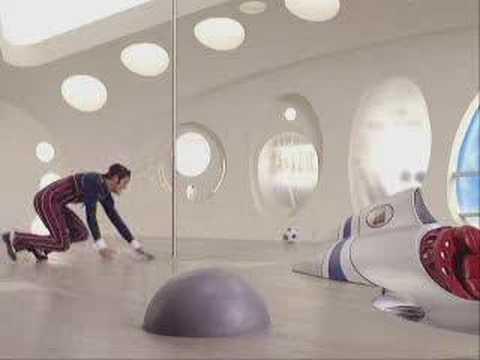 Robbie in Sportacus' airship