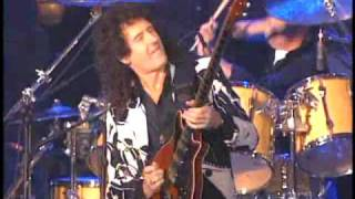 Queen performs at Rock and Roll Hall of Fame inductions 2001