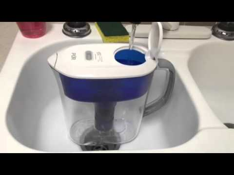 filling the pur ultimate 11 cup pitcher with led youtube. Black Bedroom Furniture Sets. Home Design Ideas
