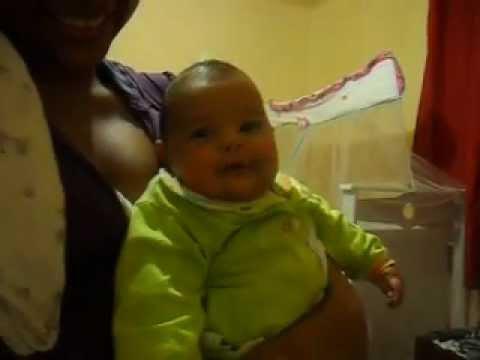bebê de 3 meses rindo.mp3