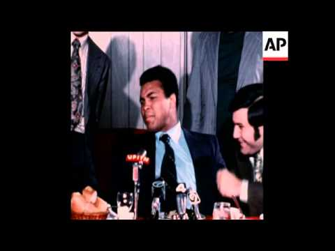 Muhammad Ali holds press conference in New York 1972