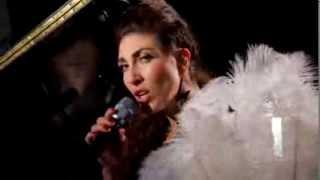 04  Ana Victoria   Un Poco Más (Video)