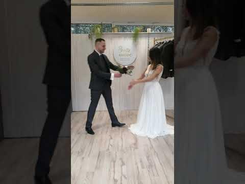 Passend gekleidet für den Hochzeitstag mit dem Modehaus Nagel und pretty woman Brautmoden!