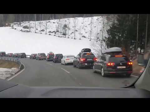 [POV] Einsatzfahrt Rettungsdienst Tirol - Massive Staubildung auf einer Bergstraße
