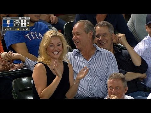 Astros owner Jim Crane catches foul ball