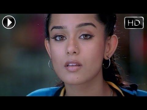 Athidi  Movie Scenes-Amrita Teaches Mahesh How To Smoke Cigarette
