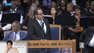 Michael Eric Dyson speaks at Aretha Franklin funeral service thumbnail