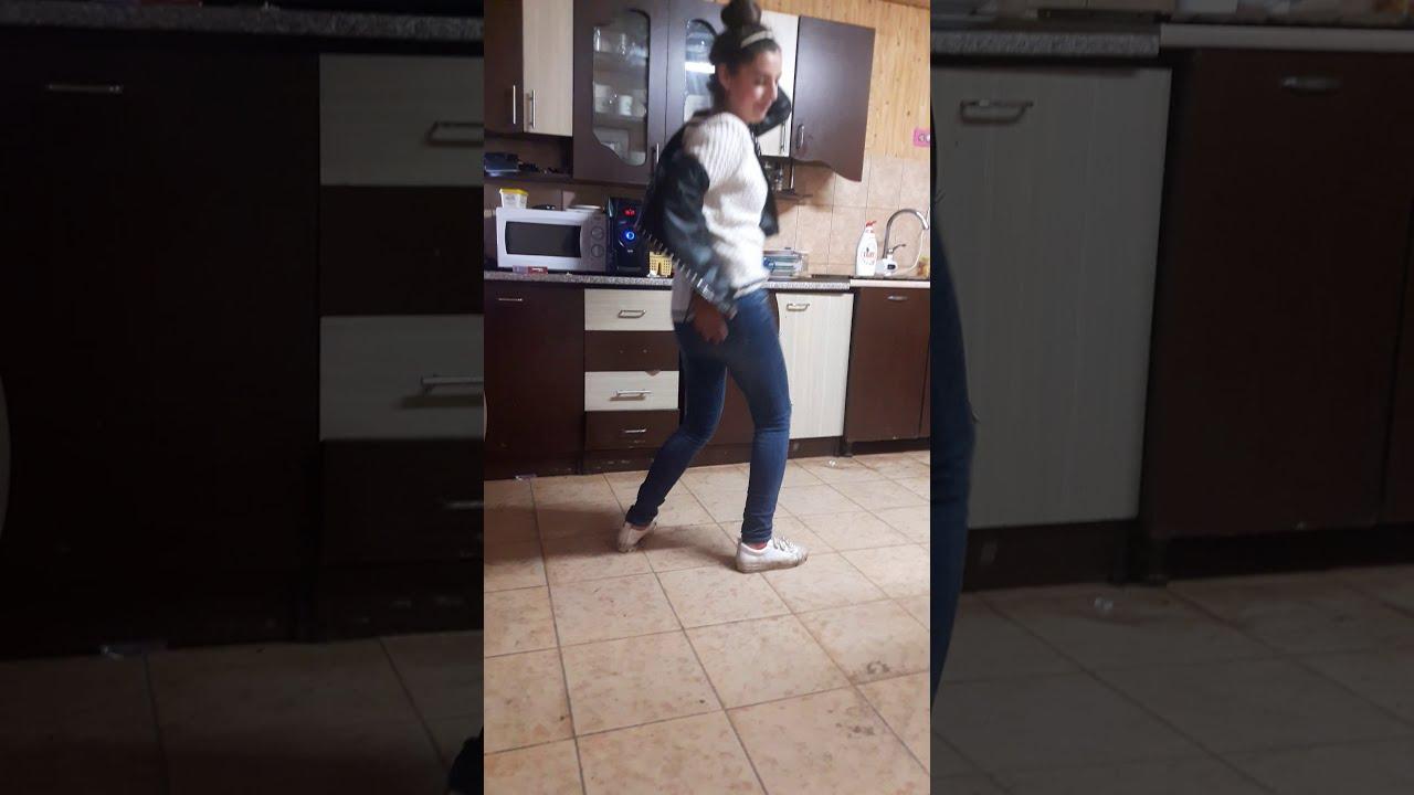 Cel mai comic dans ??????