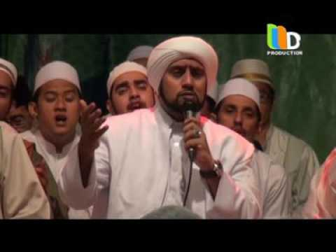 Habib Syeh - Medley Sholawat Live GOR Pasuruan