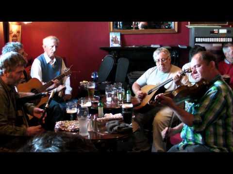 Ireland: Session at Marina Inn in Dingle 6-2011
