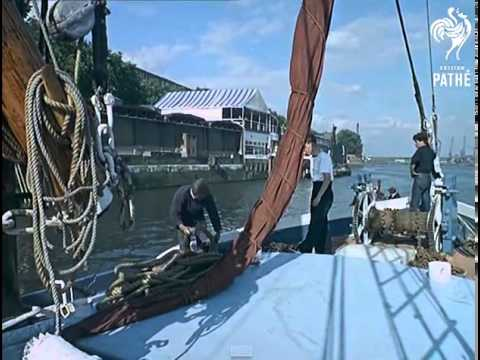 Thames Sailing Barge -  PRETORIA 1964