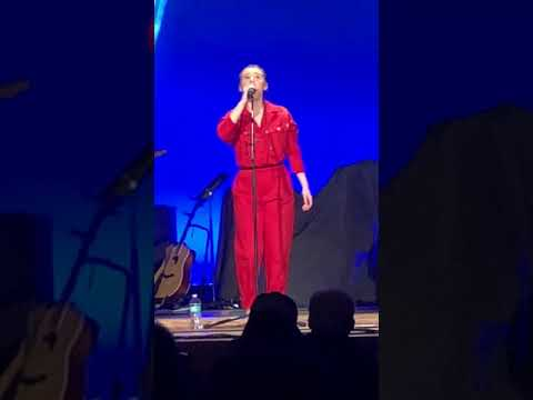 Addison Agen is amazing in concert  Singing Jolene and See beneath your Beautiful