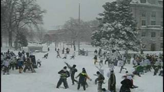 Repeat youtube video MASSIVE Snowball Fight - USNA Brigade Snow Battle of 2010