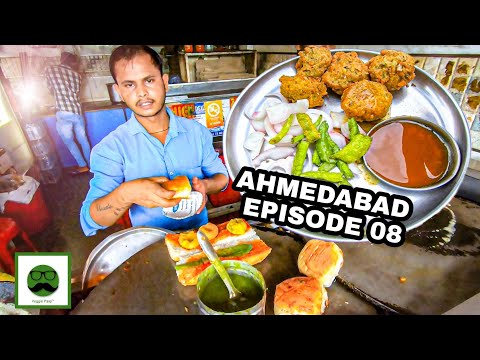 Monsoon Special Street Food in Ahmedabad with Veggiepaaji | Ep 08