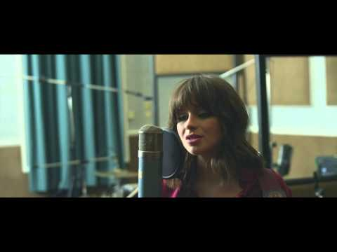 Gabrielle Aplin - Please Don't Say You Love Me (Studio Session)
