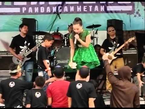 Mawar Ditangan   Voc  Dwi Ratna NEW GITA BAYU 2016   YouTube