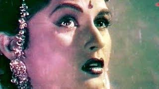 Meri Majbooriyan Pe - Lata Mangeshkar, Bina Rai, Durgesh Nandini Song