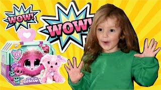 Little Girl Opening Toy Scruff-A-Luvs Plush Pink Pet/Открываем сюрпризы