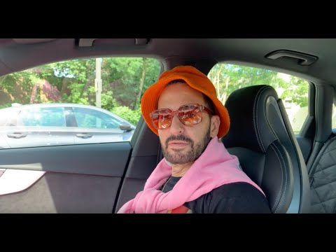 Marc Jacobs Learns How To Drive and Goes Car Shopping