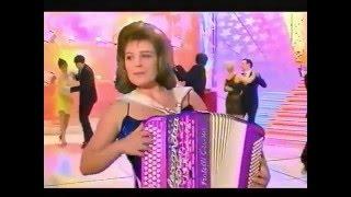 Alexandra Paris - Perle(s) de Cristal (La Chance aux Chansons)(Reprise d'une polka de Georges Hamel, célébrée par l'accordéon d'Yvette Horner et d'André Verchuren entre autres., 2015-11-25T13:10:36.000Z)
