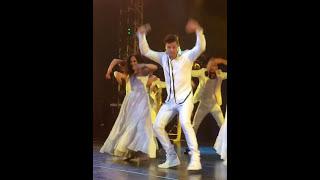 Ricky Martin, Las Vegas Residency.  Pégate