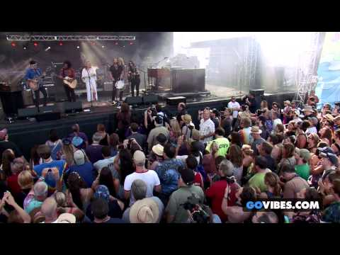 "Grace Potter & the Nocturnals performs ""Devil's Train"" at Gathering of the Vibes Music Festival"