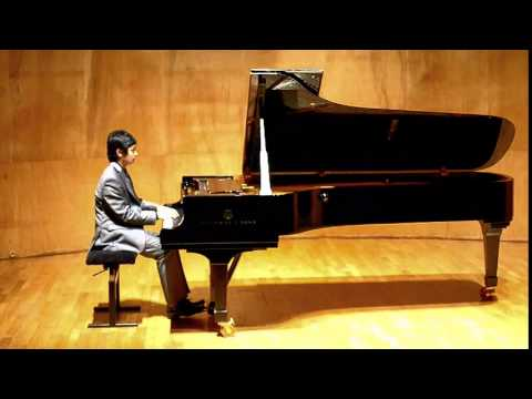 Alex Camai performs Debussy in Paris 2014