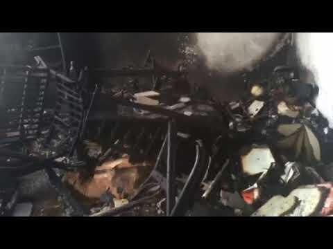 Βίντεο καταστροφής από τη φωτιά στην αποθήκη στο Περιστέρι