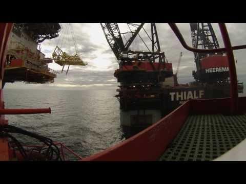 Thialf   Heavy lift crane barge