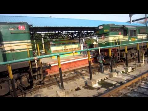 Indian Railways : RARE CAPTURE Of Loco - Loco Coupling - WDM2 + WDG3A Coupling