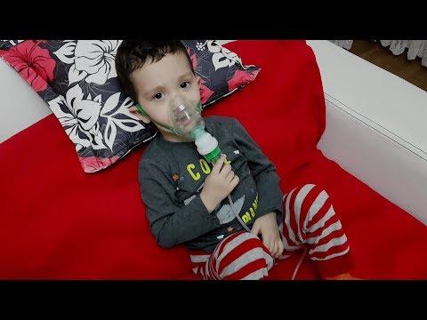 Ali Uras Ömer Kayra Hasta Oldu.Doktor Amcamız Hava Maskesi Verdi.Ali İlk Başta Taktırmak İstemedi.