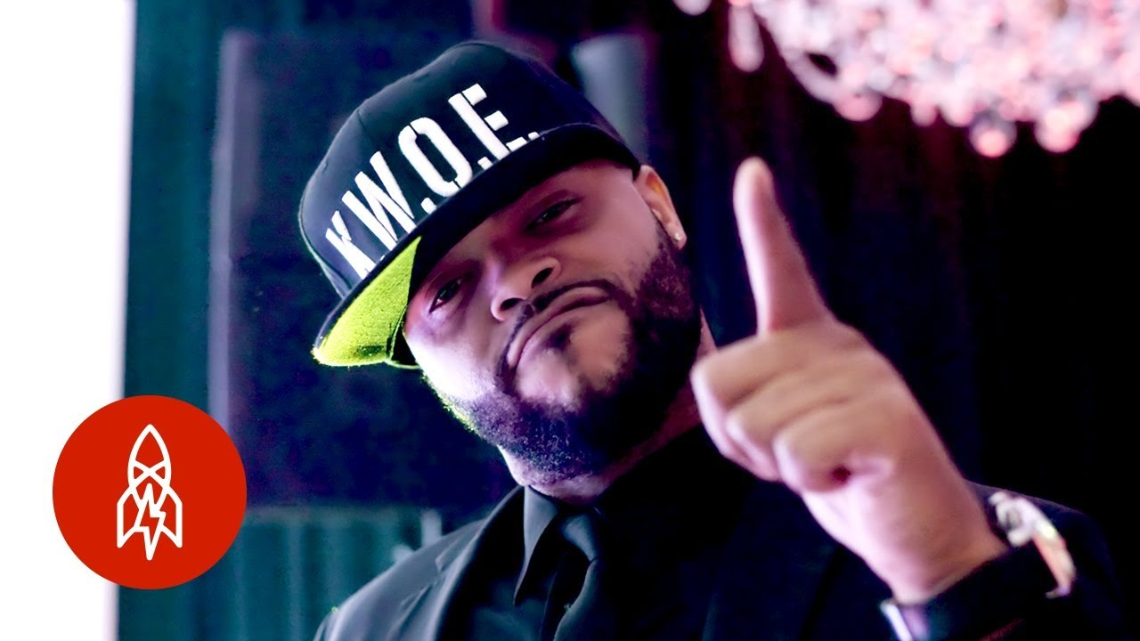 Chicago's King of Bar Mitzvahs Has a Three-Year Wait List