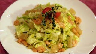 Салат из кальмара с креветками.