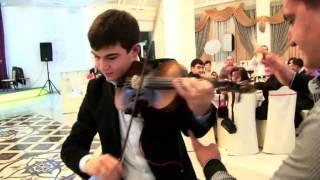Крымскотатарские музыканты Эльвис Ипекчиев скрипка