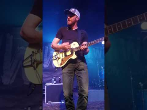 Jon Wolfe live at city limits Stephenville Texas 5/6/17