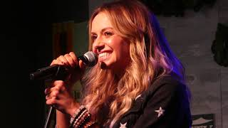 """Carly Pearce sings """"Hide the Wine"""" at CMT/Variety event"""