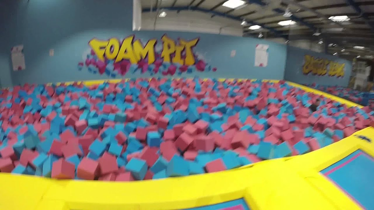 air hop trampoline park bristol youtube. Black Bedroom Furniture Sets. Home Design Ideas