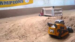 RC Cat Rubber Tracked Loader Loading Mack Dump Truck